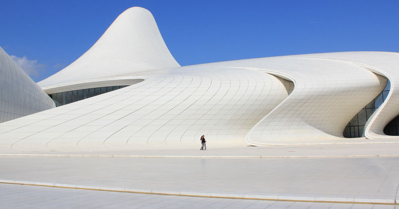 Architettura in Azerbaijan: L'Heydar Aliyev Center di Zaha Hadid Architects